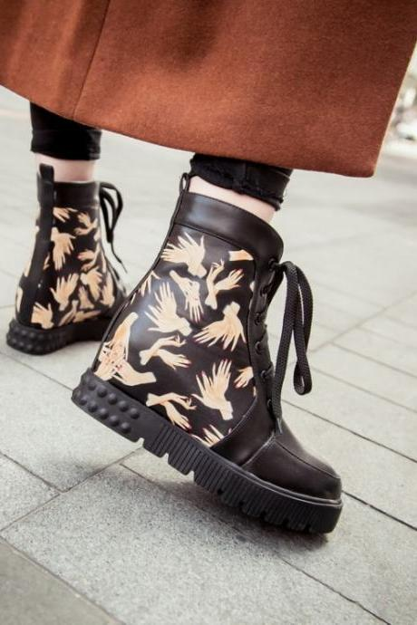 Spring Autumn Round Toe Hands Print Lace-up Wedge Low Heel Black PU Ankle Boots
