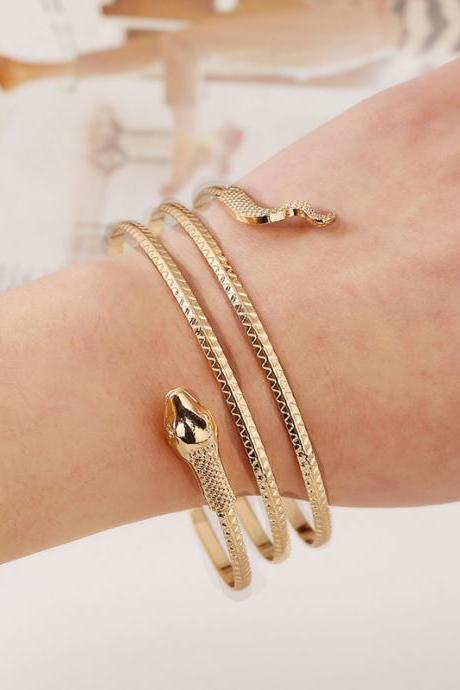 Cheap Fashion Wind Snake Shaped Gold Metal Bracelet