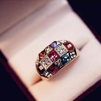2015 Luxury Women Colourful Rhinestone Crystal Finger Dazzling Ring Jewelry YOCA